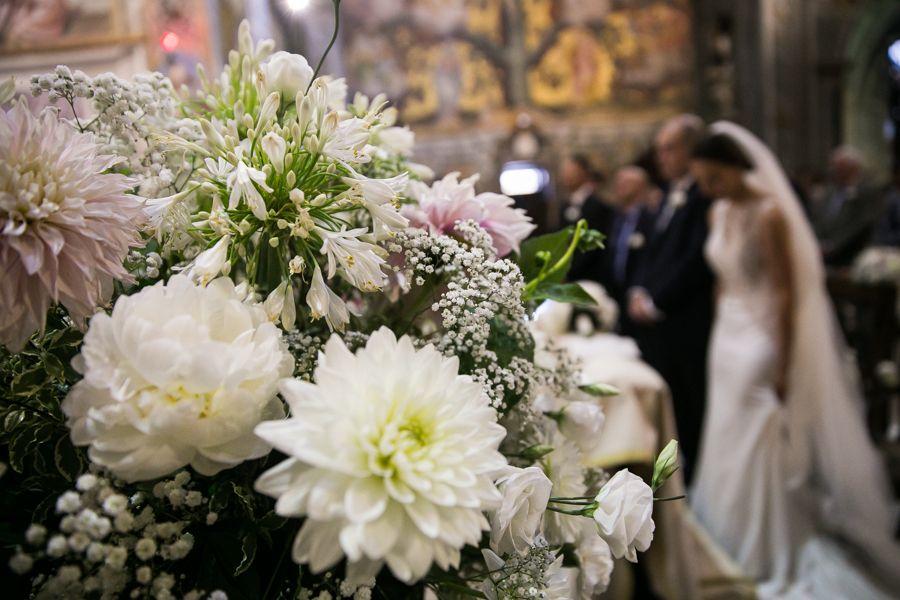 la-decorazione-floreale-del-matrimonio-religioso