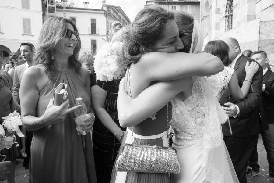 abbraccio-della-sposa