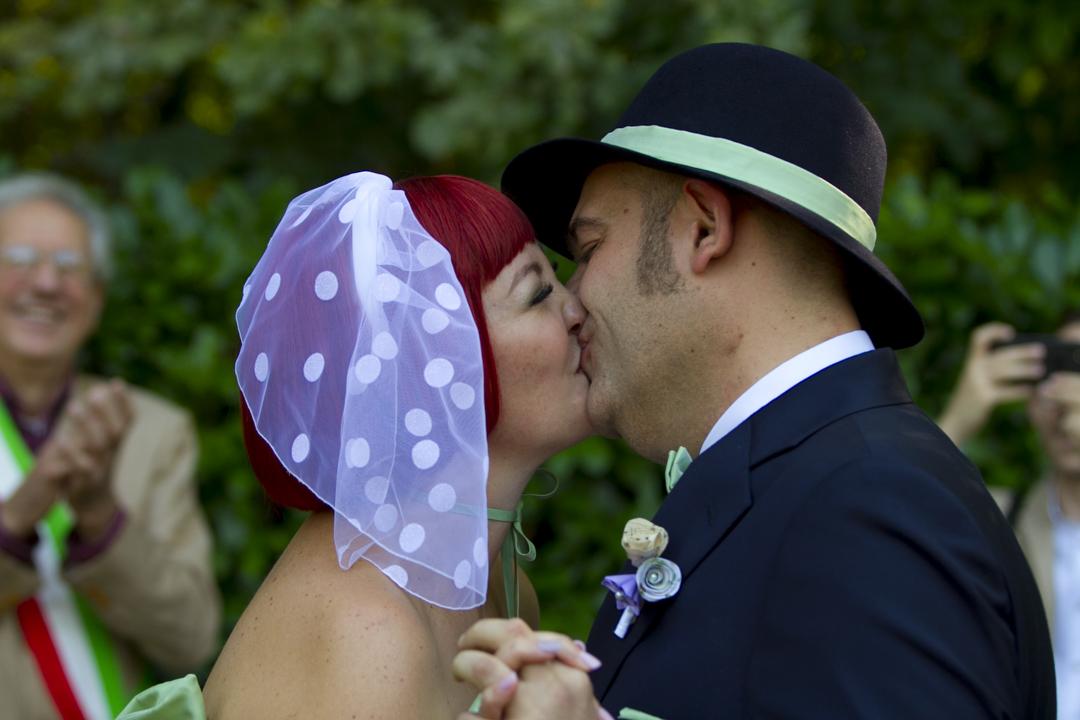 il-bacio-degli-sposi