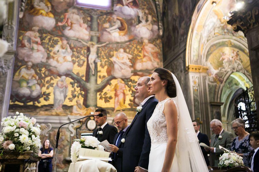 Gli-sposi-durante-la-cerimonia-in-Duomo